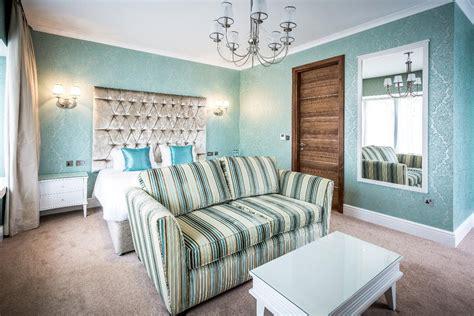 tiffany co themed bedroom tiffany blue bedroom theme tiffany blue room paint lineab bedroom decorating ideas