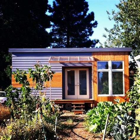 the rustic modern tiny house tiny living the rustic tiny house i want to be a minimalist