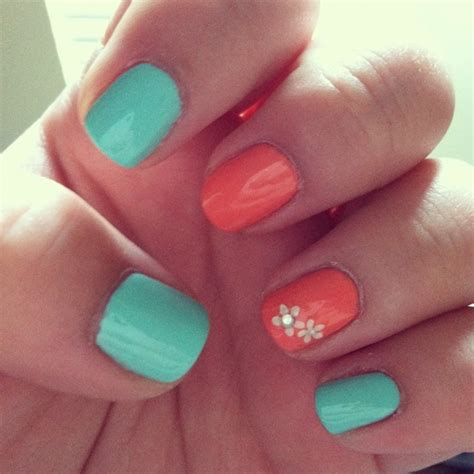 nail color combinations this color combo nails white flowers