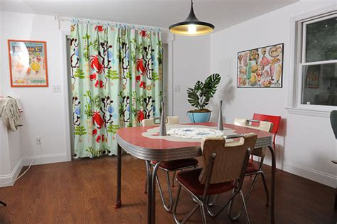 retro dining room s adorable summer cottage kitchen youngtowns