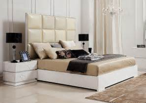 Crocodile style patterned italian top leather bed in white gloss