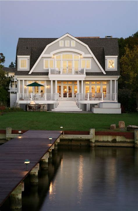 lake house 25 best ideas about lake houses on pinterest beach houses houses and dream houses