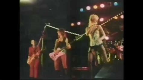 503329 the runaways kive in japan the runaways cherry bomb live in japan hd youtube