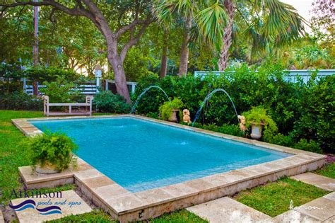 pretty pools pretty backyard small pool dreamy backyards pinterest