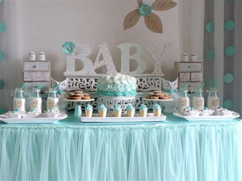 baby shower table decorations baby shower gar 231 on une d 233 co tout en bleu