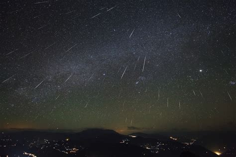 Meoter Shower by Apod 2013 December 13 Geminid Meteor Shower