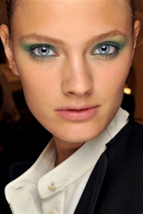 Make Up La Ode Yusuf summer 2011 eye makeup trends pastel colors