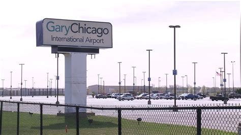 gary chicago commercial flight departs gary airport wgn tv