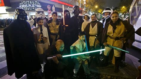 opening night fan event star wars star wars the force awakens thrills fans opening night