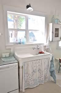 vintagewhitesblog vintage kitchen farmhouse sink