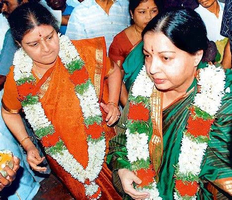 actress sripriya and minister jayakumar promises of patch up as apologetic sasikala is back in