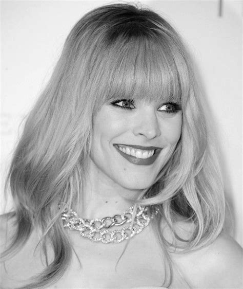 hairstyle that make oval face look rounder and fuller 17 best ideas about bangs for oval faces on pinterest
