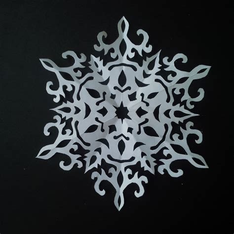 How To Make Paper Cutting - how to make paper snowflake 5 beautiful snowflake