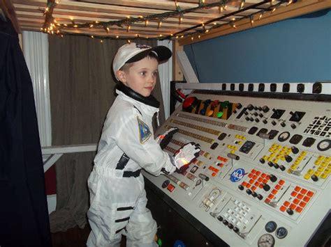 spaceship bed kid s homemade spaceship bunk bed wackbag com