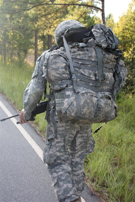 army rucksack weight new light machine gun aims to saw soldiers load