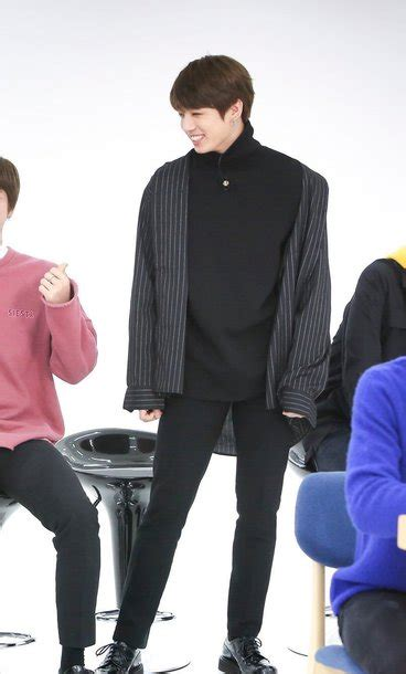 kim taehyung jung hoseok sweater bts jungkook bts jeon jungkook kpop idol pull