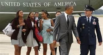 obama s how barack obama and daughters malia and sasha stole show