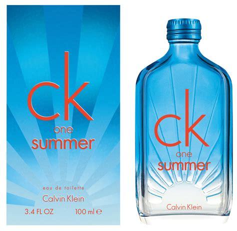 Parfum Original Calvin Klein Ck One Edition 100 Original calvin klein l 232 ve le voile sur l 233 dition 2017 de quot ck one
