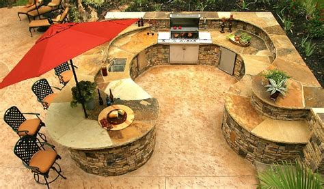 Outdoor Kitchen Plan And Traditional Outdoor Kitchen Home Design