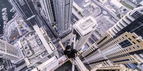 Cupola Toppers Dubai Rooftoppers Climb Marina 101 Soon To Be World S