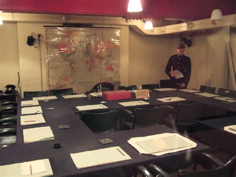 chuchill war rooms file churchill war rooms meeting room jpg wikimedia commons