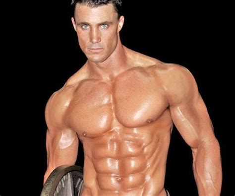 greg plitt bench press greg plitt dead at 37 after being hit by train see his