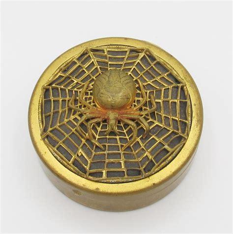 Def Vanite by Antique Vintage Spider Web Powder Compact Deco Vanity