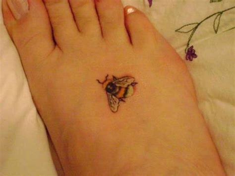 small bee tattoo 25 fabulous bumble bee designs creativefan