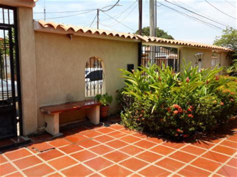 imagenes de casas con jardines hermosos casas jardines hermosos con fotos mitula casas