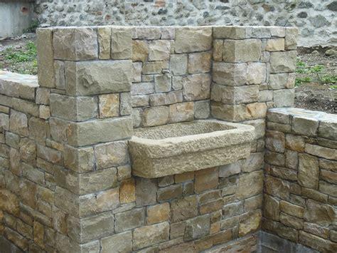 fontane da giardino in sasso fontane in pietra di credaro cava bettoni