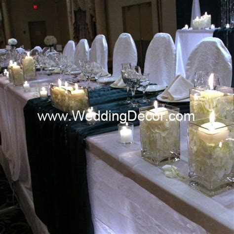 Head Table   white linens, hunter green runners and