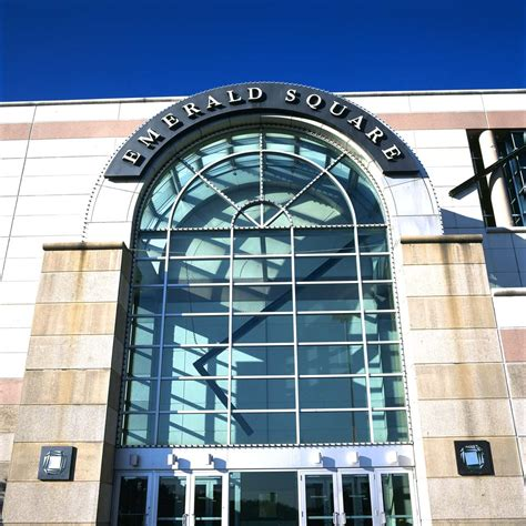 Emerald Square Mall Gift Cards - welcome to emerald square a shopping center in north attleboro ma a simon property