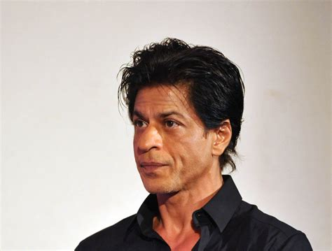 Shahrukh Khan's Next Movie 'Fan' Plot and Opening Sequence ...