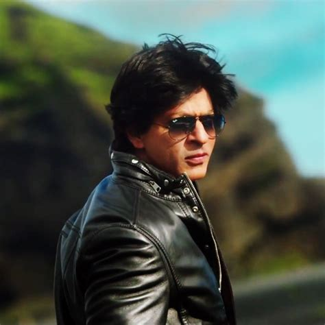 film dilwale shahrukh khan and kajol s gerua from dilwale will melt