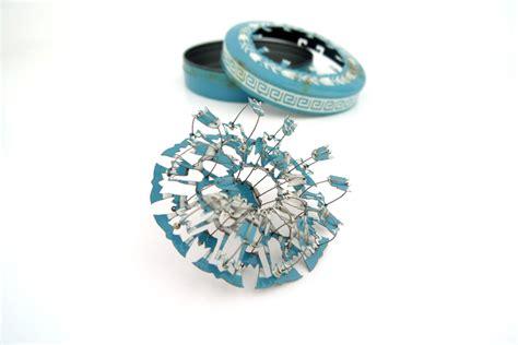 24368 Blue Set Sml cameron blue tin set 2011 cameron