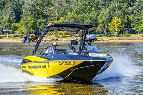 malibu boats hull designs malibu wakesetter 20 vtx review boatadvice