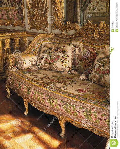Chateau House Plans furniture in queen marie antoinette bedroom at versailles