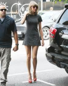 taylor swift and pregnant friend jaime king enjoy lunch