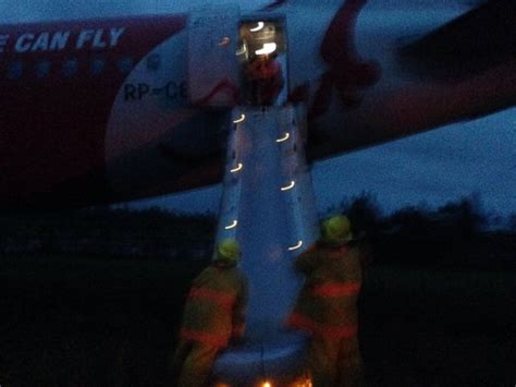 airasia emergency descent airasia zest plane overshoots airport runway in the