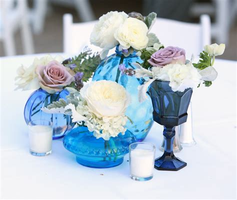 good images of blue and white centerpieces for wedding