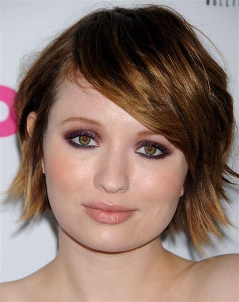 emily browning short shaggy bob hairstyle emily browning make up and hair color emily browning