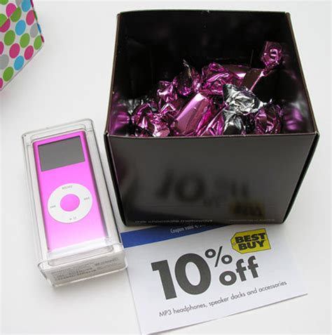 Apple Ipod Nano And Chocolate Gift Set Unboxed by Give Your Momma An Ipod Nano For S Day The Gadgeteer