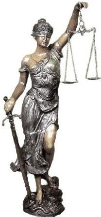 imagenes de la justicia griega la diosa de la justicia lleva una venda en los ojos