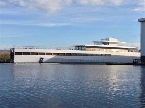 yacht nl venus yacht designed by philippe starck and steve jobs