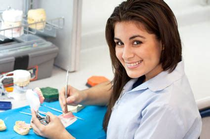 Dental Laboratory Technician Description Is A Dental Technician Career Right For You Dental Gateway