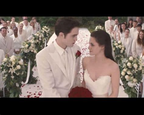 hochzeitskleid bella swan bella swan wedding dress designer www imgkid the
