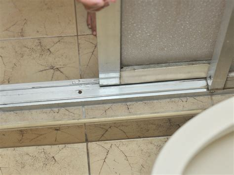 Shower Door Leaks At Bottom How To Fix Stiff Sliding Shower Doors 3 Steps With Pictures