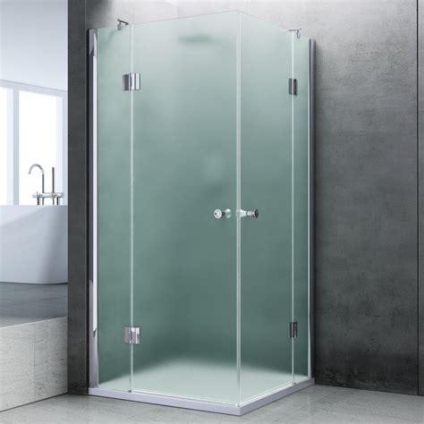 vetro doccia satinato rivestire un arco in finta pietra con box doccia in