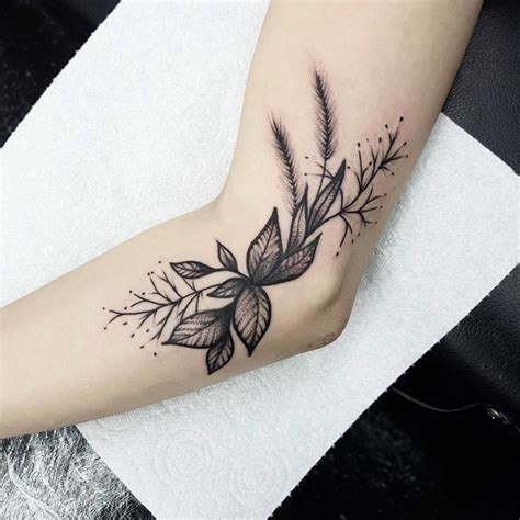 best places for small tattoos best 25 tattoos ideas on traditional