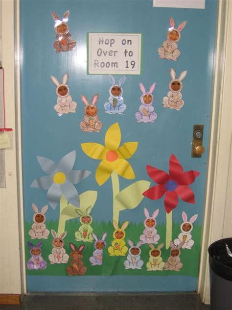 Classroom Door Decorations by 25 Fancy Door Decorating Ideas Creativefan